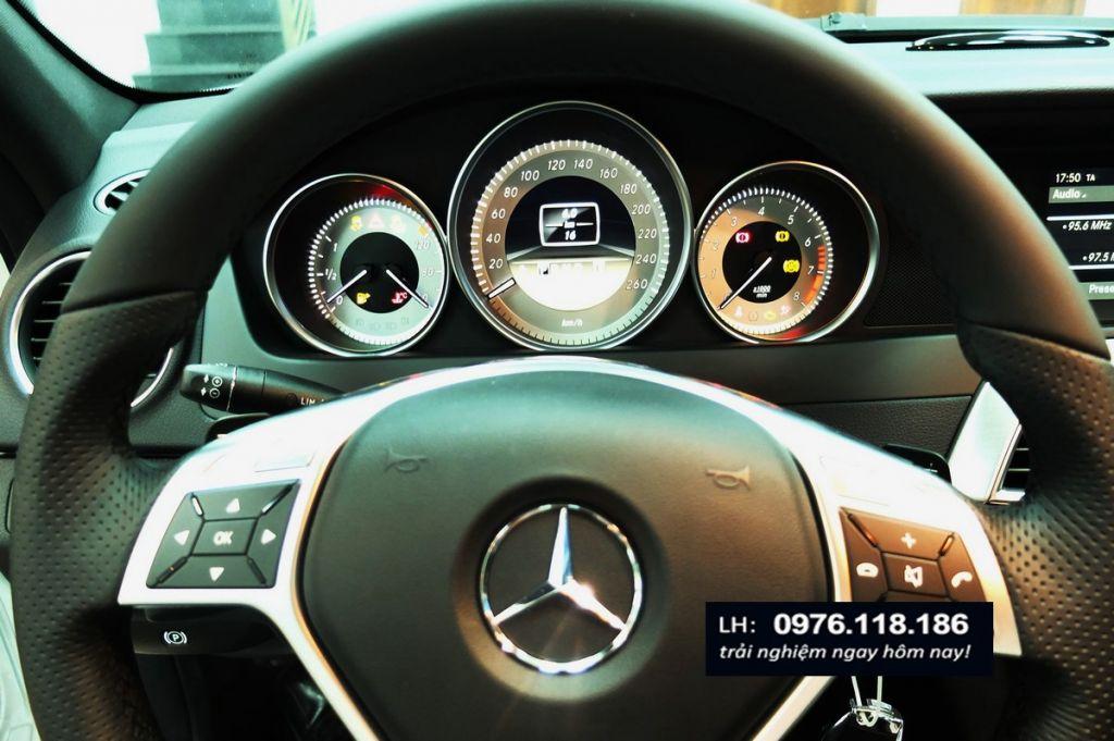Mercedes C300 AMG (11)