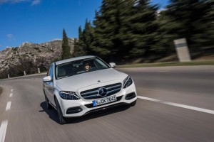 mercedes_c300_bluetec_hybrid_front_action