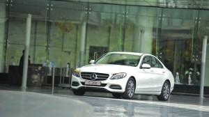 Mercedes-benz-C200-(11)