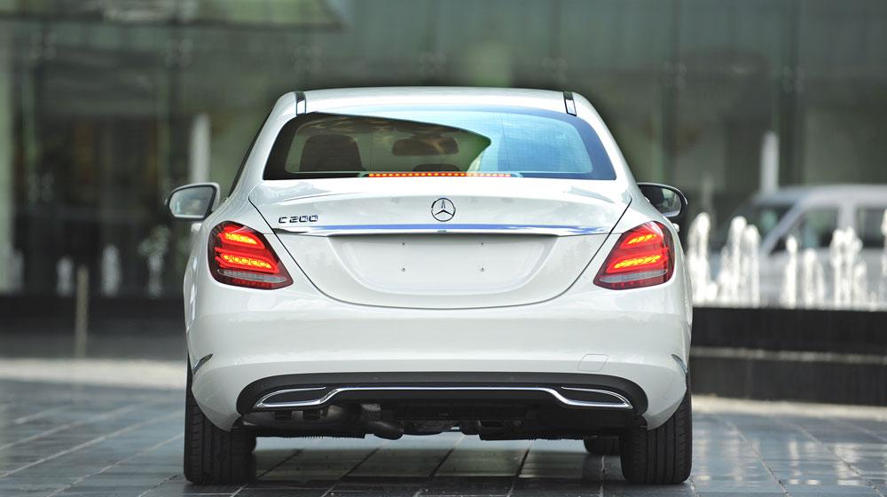 Mercedes-benz-C200-(19)