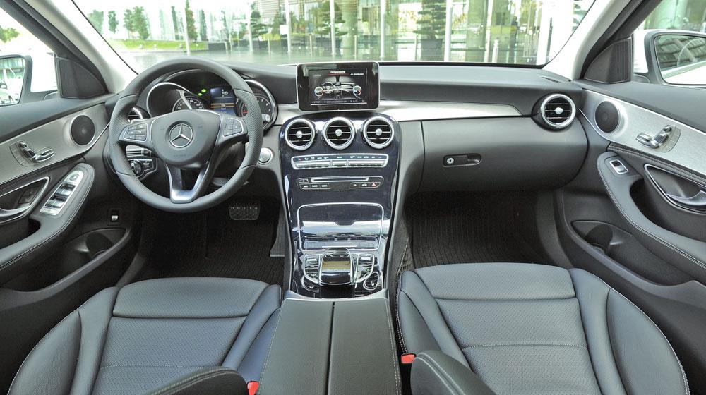 Mercedes-benz-C200-(61)