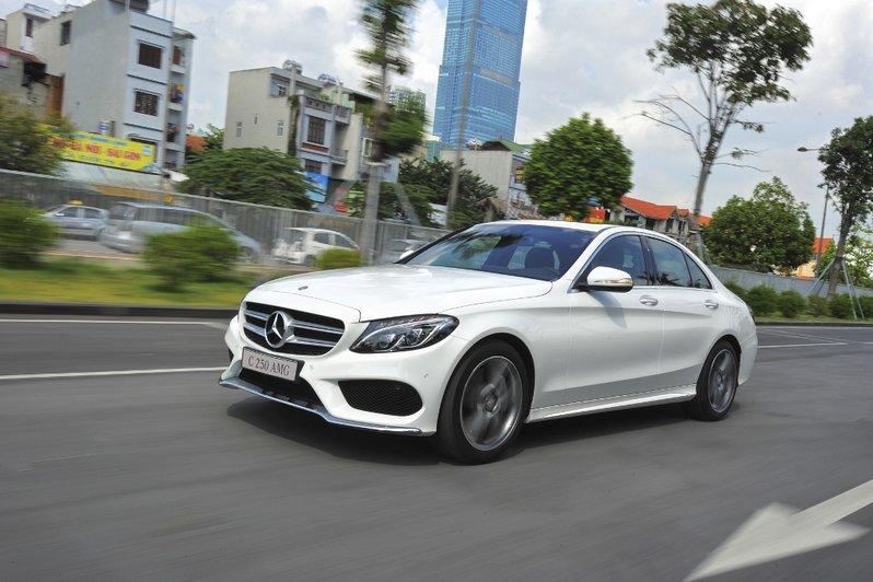 Mercedes-benz-C250-AMG-(14)