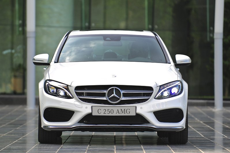 Mercedes-benz-C250-AMG-(2)
