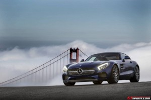 2015-Mercedes-AMG-GT-S-Blue-640x426