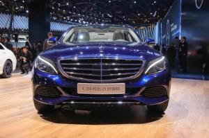 Mercedes-C350 2016 Plug-In-Hybrid (1)