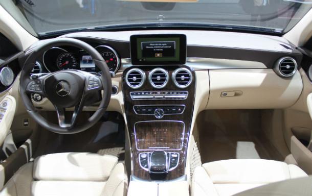Mercedes-C350 2016 Plug-In-Hybrid (2)