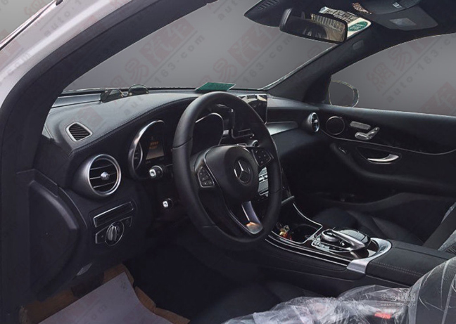 Mercedes GLC 2016 (3)