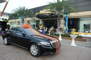 vinhomes-central-park-va-chiec-mercedes-benz-s400
