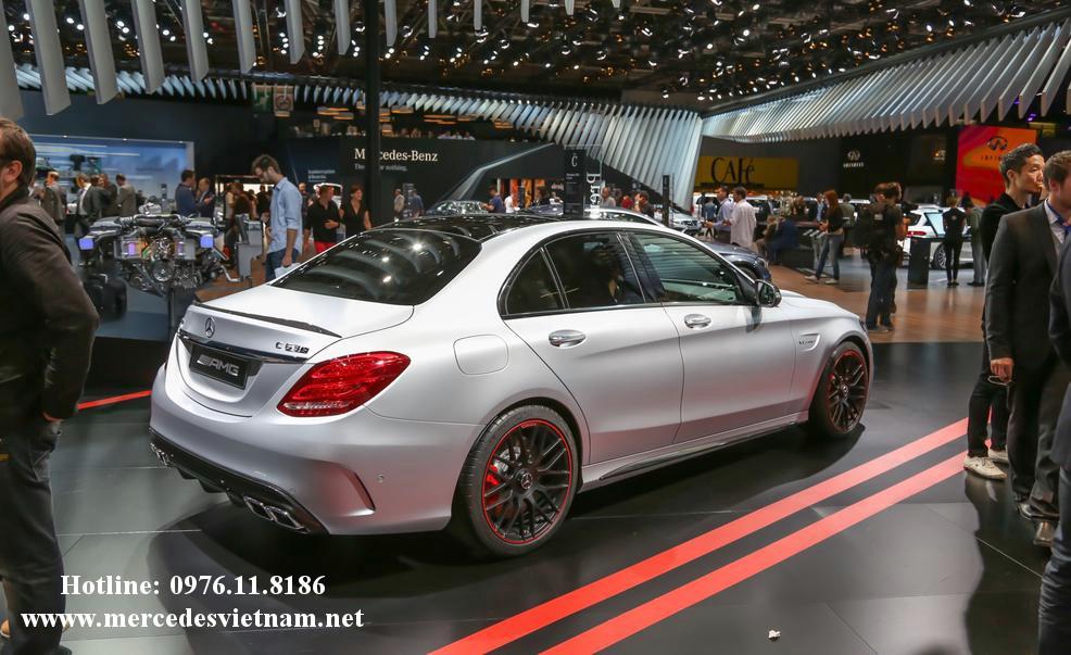 Mercedes AMG C63 S (5)