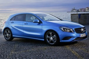 Mercedes-A200-moi-nhat