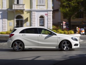 Mercedes-a200-cdi-amg-sport-package-w176-2012-Photo-06
