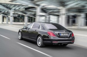 Mercedes-Benz-Maybach-S600-2016-Rear-View