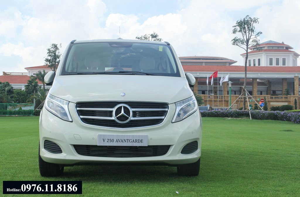 2017 All New Mercedes V250 may xang 7 cho ngoi (1)