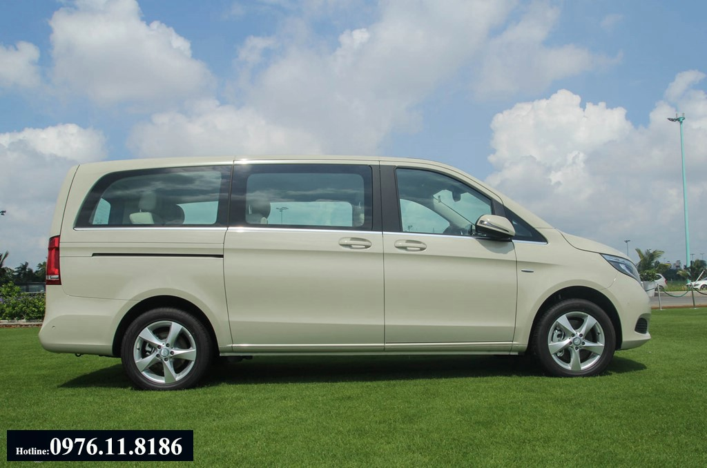 2017 All New Mercedes V250 may xang 7 cho ngoi (13)