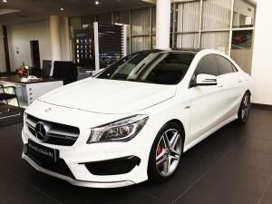 Mercedes-benz-cla45-amg-2015-mau-trang-mercedes-qua-su-dung-proven-exclusivity-001