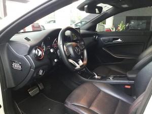 Mercedes-benz-cla45-amg-2015-mau-trang-mercedes-qua-su-dung-proven-exclusivity-013
