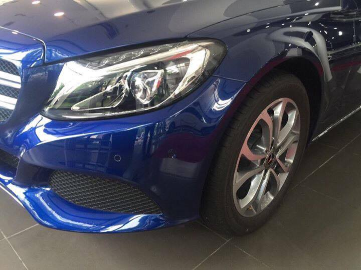 Mercedes C200 2018 ngoai that (2)