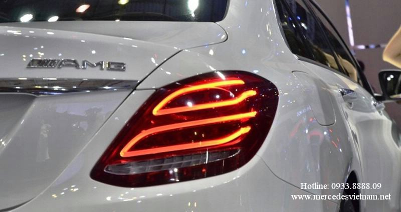 Mercedes C300 AMG 2018 moi nhat (1)