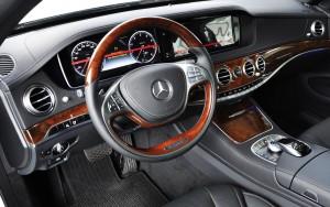 Không gian nội thất Mercedes S450 khá rộng rãi , thoải mái