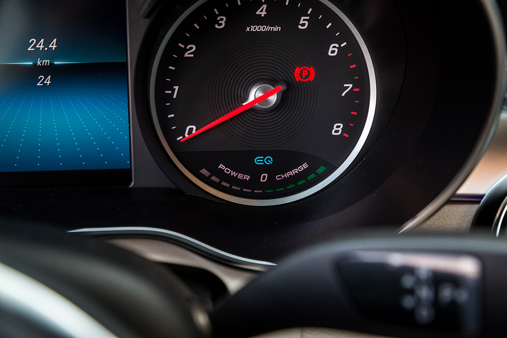 Mercedes C200 2019 dang cap tien phong (12)