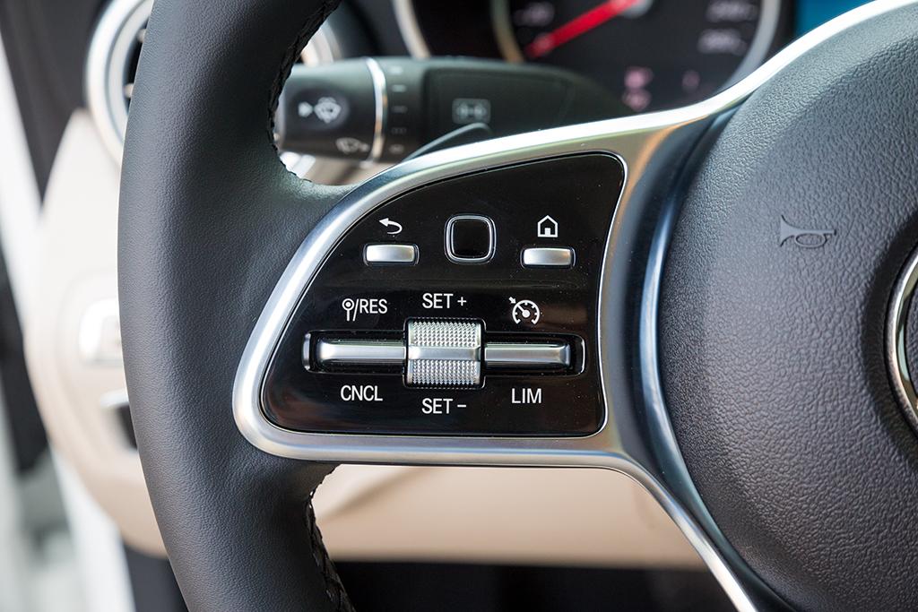 Mercedes C200 2019 dang cap tien phong (13)