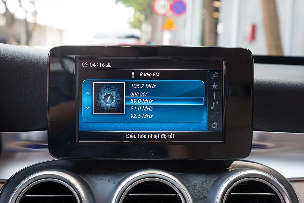 Mercedes C200 2019 dang cap tien phong (14)