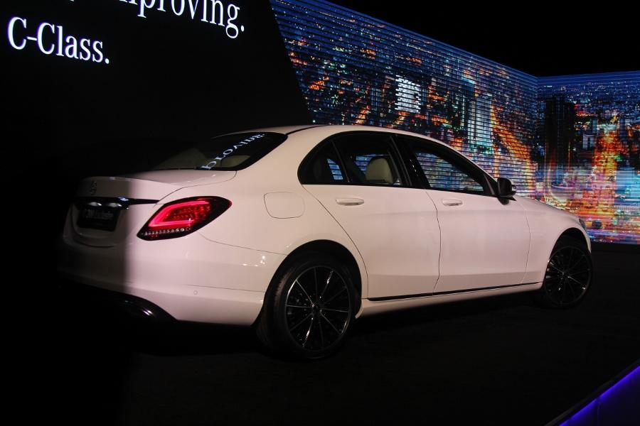 Mercedes C200 2019 dang cap tien phong (5)