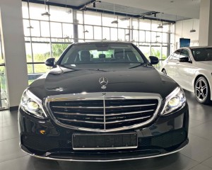 Mercedes-C200-Exclusive-2