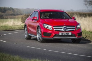 Mercedes-Benz-GLA-250-AMG-Line-4MATIC