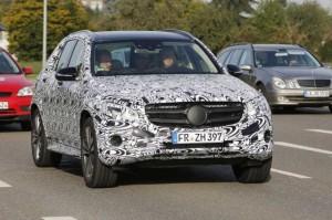 2016-Mercedes-GLK-Front