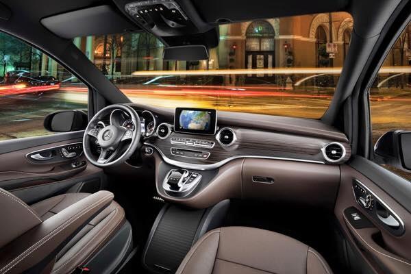 Mercedes V220