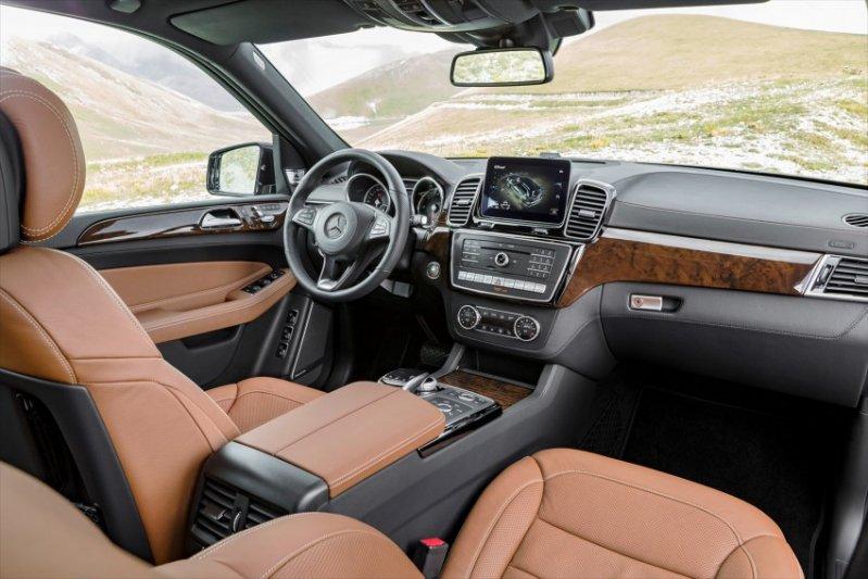 2015-mercedes-benz-gls-class-debut-023-850x567