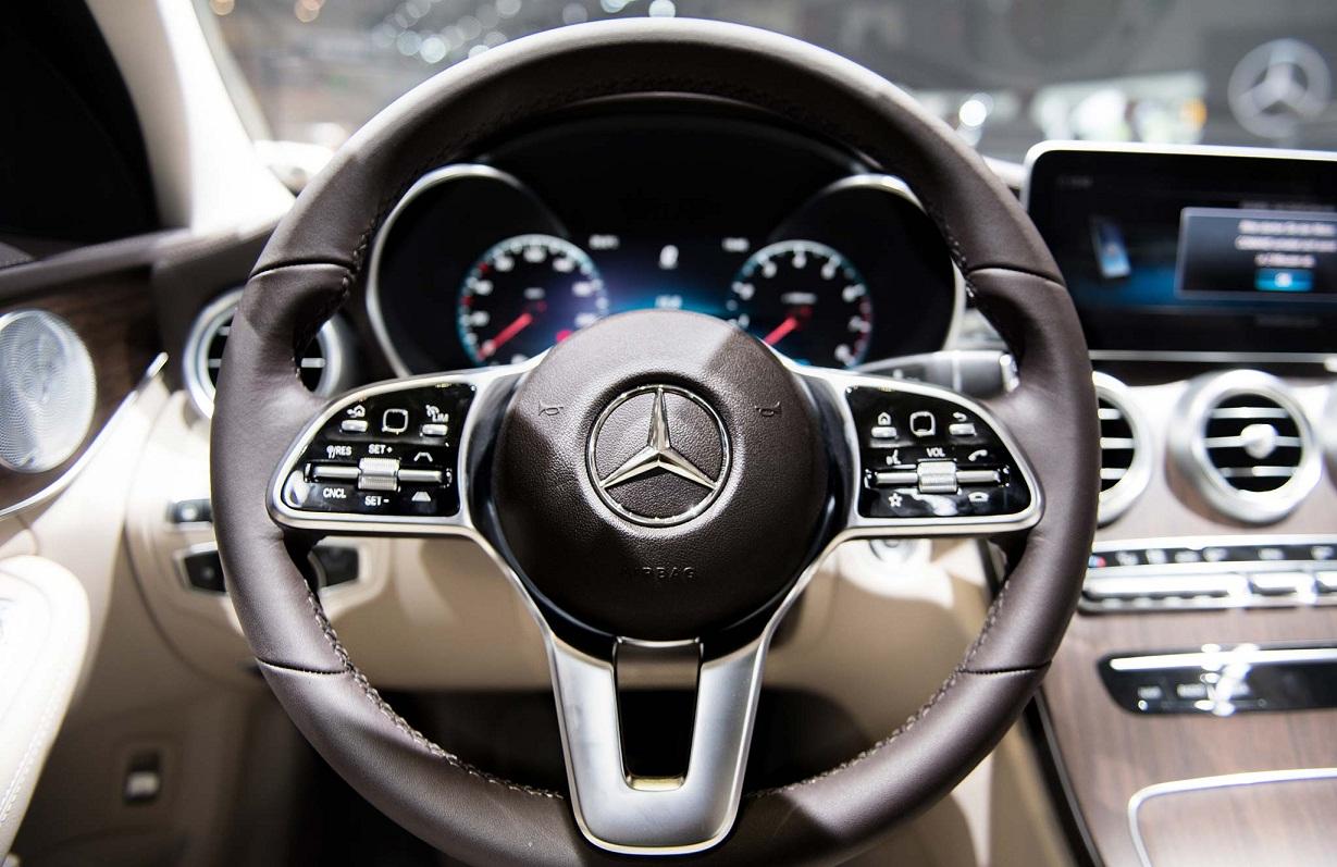 Mercedes C200 2019 thay doi (1)