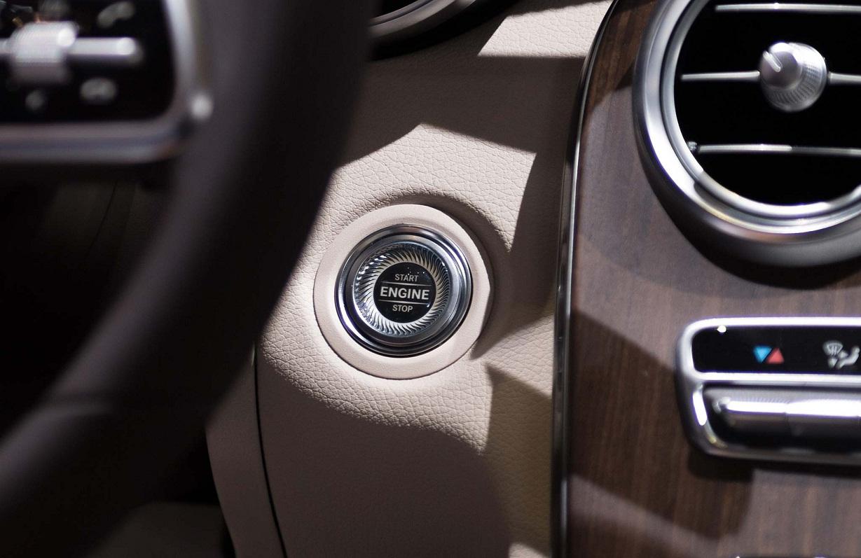 Mercedes C200 2019 thay doi (4)