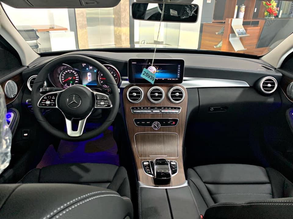 Mercedes-C200-Exclusive-6