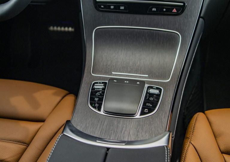 Mercedes GLC 300 2020 (1)