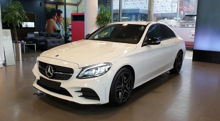 Mercedes C300 AMG 2021 giá bao nhiêu ?