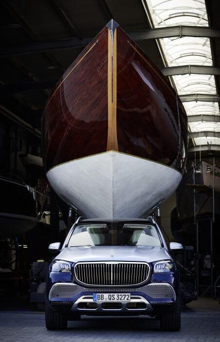 Cuộc gặp gỡ của hai phong cách sống sang trọng: Mercedes-Maybach gặp gỡ thế giới du thuyền của Robbe & Berking